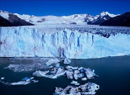 ペリト・モレノ氷河(アルゼンチン) : 【保存版】感動の絶景!一度は行ってみたい世界の名所 - NAVER まとめ